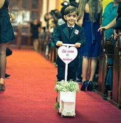 Mais um lindo carrinho para os pajens entrarem na cerimônia religiosa