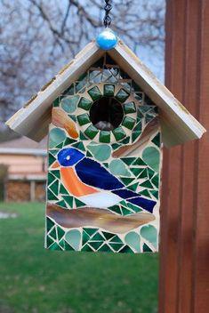 Bird House Stained Glass Mosaics Blue Bird by NatureUnderGlass Love the rusty chicken! Rusty R Bird house Mosaic Birdbath, Mosaic Garden Art, Mosaic Art, Mosaic Glass, Mosaic Crafts, Mosaic Projects, Stained Glass Projects, Mosaic Designs, Mosaic Patterns