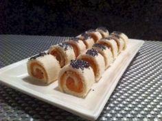 Makis scandinaves  4 tranches de pain de mie sans croûte 100 g de saumon fumé philadelphia nature (ou aux herbes) graines de pavot