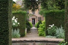 Tintinhull House garden (Photograph © DorsetBirder)