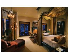 Luxurious master bedroom!!!