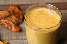 Give this delicious pumpkin protein shake recipe a try and you won't be sorry. The pumpkin pie smoothie comes packed with protein, fiber, and plenty of fuel. Pumpkin Protein Shake, Pumpkin Shake, Pumpkin Pie Smoothie, Protein Shake Recipes, Smoothie Drinks, Smoothie Recipes, Vegan Smoothies, Pumpkin Spice Latte, Pumpkin Puree