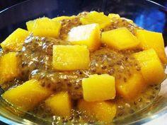 Budinca raw de chia cu mango