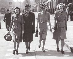 1940s, woman wear flat shoes to working easier. Love this