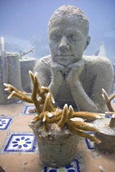 Underwater sculpture garden - Silent Evolution - created by renowned sculptor Jason de Caires Taylor, Cancun. S)