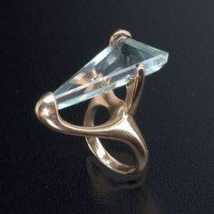 Allan Adler 14k Aquamarine Ring Love the setting.