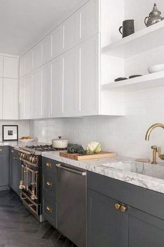 Small Kitchen decor Backsplash ideas Right now galley kitchens are prevalent in an apartment or White Galley Kitchens, Galley Kitchen Design, Galley Kitchen Remodel, Kitchen Designs, Kitchen Small, Kitchen Pantry, Kitchen Cabinets And Cupboards, Kitchen Cabinet Colors, Cuisines Diy