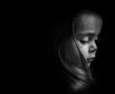 Fotograf Low key Portrait of a young child von Richard Umkehrer auf Low Key Portraits, Toddler Portraits, Toddler Photos, Low Key Photography, Toddler Photography, Portrait Photography, Portrait Lighting, Portrait Inspiration, Love Pictures