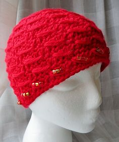 Ravelry: SN0WDR0PS's Red Beaded Beanie Ravelry, Crochet Hats, Beanie, Red, Knitting Hats, Beanies, Beret