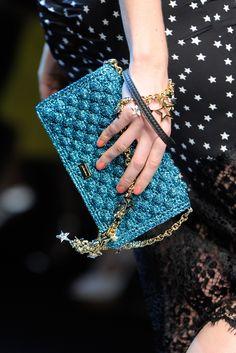 Dolce e Gabbana pochette Bag Crochet, Crochet Clutch, Crochet World, Crochet Handbags, Crochet Purses, Love Crochet, Filet Crochet, Women's Handbags, Handmade Handbags