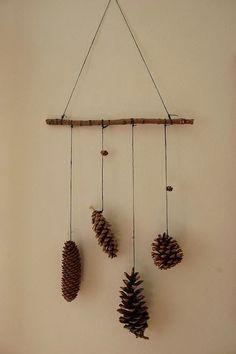 Si vous habitez non loin d'une forêt, pourquoi ne pas en profiter pour ramasser quelques branches afin d'agrémenter votre intérieur ? D...
