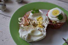 Sváteční recept na slané cupcakes se sýrovým krémem a ozdobené křepelčími vajíčky. Grains, Rice, Eggs, Cupcakes, Breakfast, Food, Morning Coffee, Cupcake Cakes, Essen