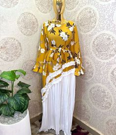 African Blouses, African Lace Dresses, African Fashion Dresses, Fashion Outfits, Best Maxi Dresses, Maxi Gowns, African Attire, African Hair, Elegant Dresses