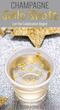 awesome These Champagne Jello Shots are made with champagne, ginger ale, lemon juice, sugar, and gelatin and are so easy to whip up for your New Year's Eve and other celebrations! Alcohol Jello Shots, Champagne Jello Shots, Jello Pudding Shots, Party Drinks Alcohol, Alcohol Drink Recipes, Alcoholic Drinks, Beverages, Lemon Jello Shots, Yummy Jello Shots
