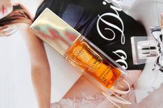 Little Miss Lifestyle UK Beauty and Lifestyle Blog: Review: Clarins | Instant Light Lip Comfort Oil in '01 Honey'