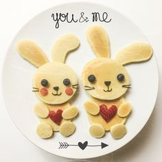 Bunnies in love. #foodart #pancakes