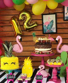 """46 curtidas, 2 comentários - Xuxu Cakes (@xuxucakes) no Instagram: """"Apaixonadas com cada detalhe dessa festa linda."""""""