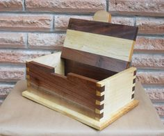 Wood Keepsake Box Jewelry Box Handmade by ScottsWoodWorking, $75.00 Small Woodworking Projects, Woodworking Box, Wood Projects, Wooden Keepsake Box, Keepsake Boxes, Wooden Diy, Handmade Wooden, Wood Crafts, Diy And Crafts