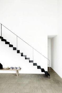 simplicity, thin black metal staircase against white walls, narrow black railing + stairs, graphic outline Interior Stairs, Home Interior Design, Interior Architecture, Stairs Architecture, Modern Interior, Black Stairs, Black Railing, Escalier Design, Steel Stairs