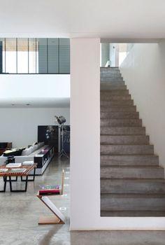ozartsetc_space-invader-house_Guilherme-Torres_architecture_09