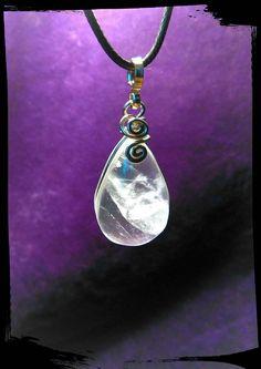 Mira este artículo en mi tienda de Etsy: https://www.etsy.com/es/listing/270068996/colgante-de-cuarzo-cristal-de-roca