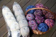 KARDEMUMMAN TALO: Karnaluksissa uusia tuulia Throw Pillows, House, Ideas, Toss Pillows, Cushions, Home, Decorative Pillows, Decor Pillows, Thoughts