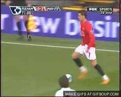 When you don't know how to use your left. God Of Football, Football Gif, Ronaldo Skills, Cristiano Ronaldo Quotes, Football Tricks, Portugal Soccer, England Players, Soccer Gifs, Soccer Workouts