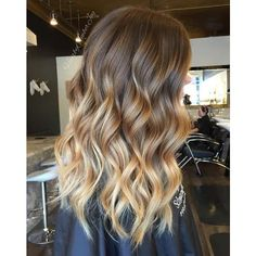 40 Beautiful Blonde Balayage Looks ❤ liked on Polyvore featuring beauty products, haircare, hair and curling iron