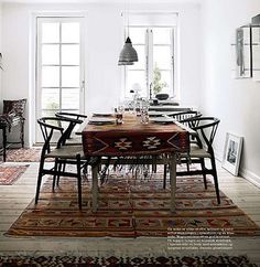 Sara Schmidt Hauge, Elle Decoration Norway on AphroChic blog. Una alfombra de mantel...MUY INTERESANTE