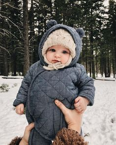 So cute ? 😍💕💫 ✔Tag your friends 💛 ✔Tag your baby accounts… - Babykleidung Cute Little Baby, Little Babies, Little Ones, Cute Babies, Cute Baby Pictures, Cute Baby Clothes, Babies Clothes, Babies Stuff, Baby Family