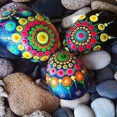 #paintedstones #pebbles #rocks #stones #mandala #dots #Zen #colors #seatreasure #art #myart #dotting #dotartpainting #nature #natureart #