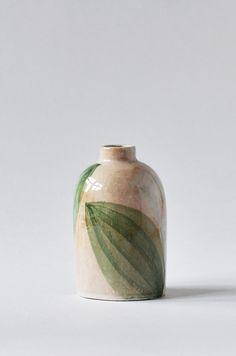 Ceramic Tableware, Ceramic Clay, Ceramic Vase, Ceramic Pottery, Painted Vases, Hand Painted Ceramics, Pottery Patterns, Pottery Painting Designs, Interiors