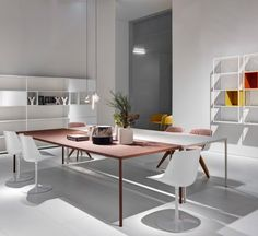 Flow Chair is a padded shell chair by Jean Marie Massaud for MDF Italia, well-designed, that consists of structural elements that assume aesthetic value.  Flow Chair is synonymous of elegance and style, but contemporary. #BackToOffice #MySuperOffice