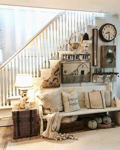 Gorgeous 35 Best Modern Farmhouse Living Room Decor Ideas https://homeylife.com/35-best-modern-farmhouse-living-room-decor-ideas/