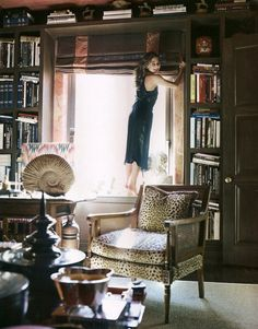 Library of Vivre founder Eva Jeanbart-Lorenzotti #books #bookshelves #home_library #leopard