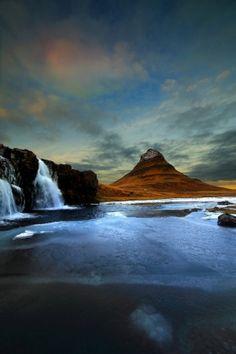 Kirkjufell peak by Russo Francesco