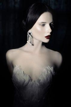 "The Look: ""Swan Lake"" - ""Swan"" for RLjewel. Photography by Ekaterina Belinskaya, styling by Alisa Gagarina. Fashion Photography Art, Beauty Photography, Fashion Models, Fashion Beauty, Fashion Images, Women's Fashion, Wattpad, White Doves, Dark"