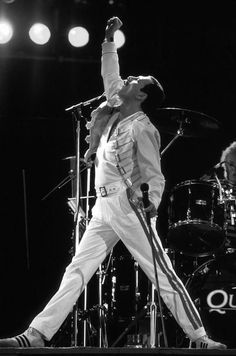 """freddie mercury singer of the band """"Queen"""" John Deacon, Freddie Mercuri, Queen Lead Singer, El Rock And Roll, A Kind Of Magic, We Will Rock You, British Rock, Queen Band, Queen Queen"""