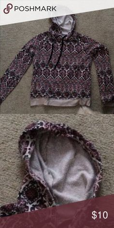 Hooded cotton shirt. Aeropostale Excellent condition Aeropostale Shirts & Tops Sweatshirts & Hoodies