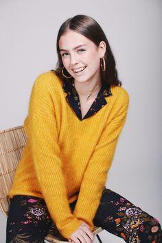 Aloa Knit V-Neck - Golden Glow by Second Female Glow, Men Sweater, V Neck, Female, Knitting, Sweaters, Fashion, Moda, Tricot