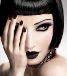 If I had the skin for it, I would definitely wear this dark lip colour.