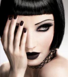 makeup and choker