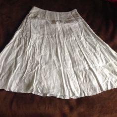 White skirt Very pretty and flows white summer skirt Skirts Midi