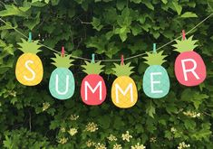 18 Really Cool DIY Summer Projects To Easily Refresh Your Interior Design Printable Banner, Party Printables, Free Printable, Flamingo Coloring Page, Summer Party Themes, Party Summer, Summer Fruit, Beach Party, Summer Bulletin Boards