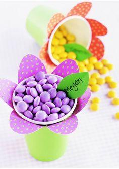 Ideas para cumpleaños: Vasitos decorados para chuches.