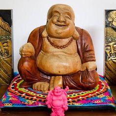 """""""Não importa o que você decidiu... O que importa é que isso te faça feliz."""" 🍃    Esculturas Happy Buddha ☟ www.artesintonia.com.br/budas ☜    Namastê! 🕉"""