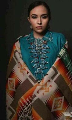 Native American Actors, Native American Wedding, Native American Images, Native American Beauty, American Indians, Navajo Clothing, Navajo Women, American Indian Girl, Native Girls