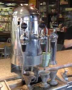 Soda fountain on pinterest soda fountain 50s diner and for Old fashioned pharmacy soda fountain