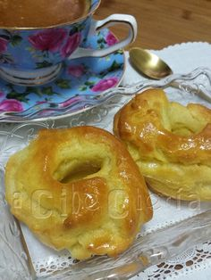 Almojábanas #RecetasDeConventos Bread Recipes, Cake Recipes, Pan Dulce, Brownie Cookies, Canapes, Flan, Finger Food, Bagel, Donuts
