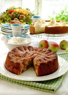 Bestemors eplekake: En sikker vinner. Enkel å lage og klar til å settes inn i ovnen i løpet av en halv time.
